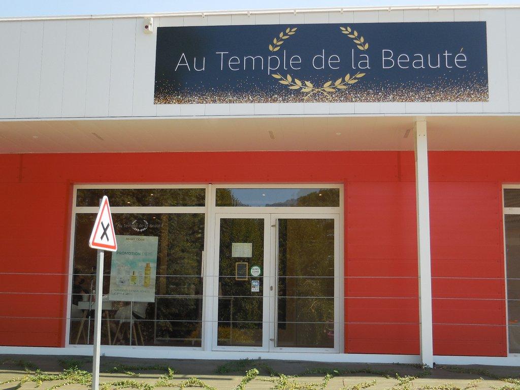 Au temple de la beauté