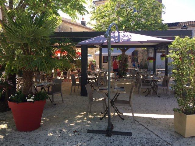 Les Marronniers : Restaurant Bar